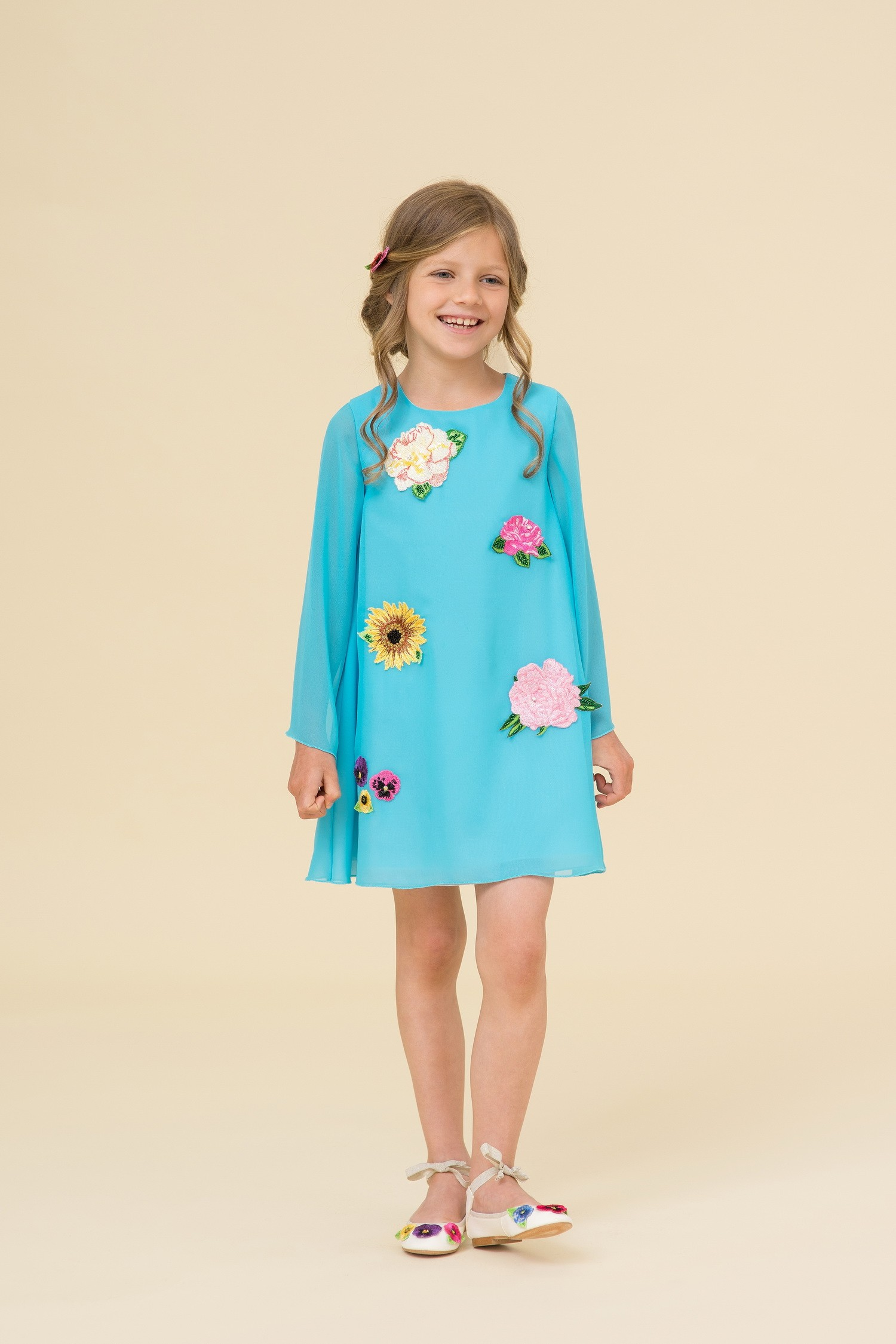 Blue chiffon dress with embroidery